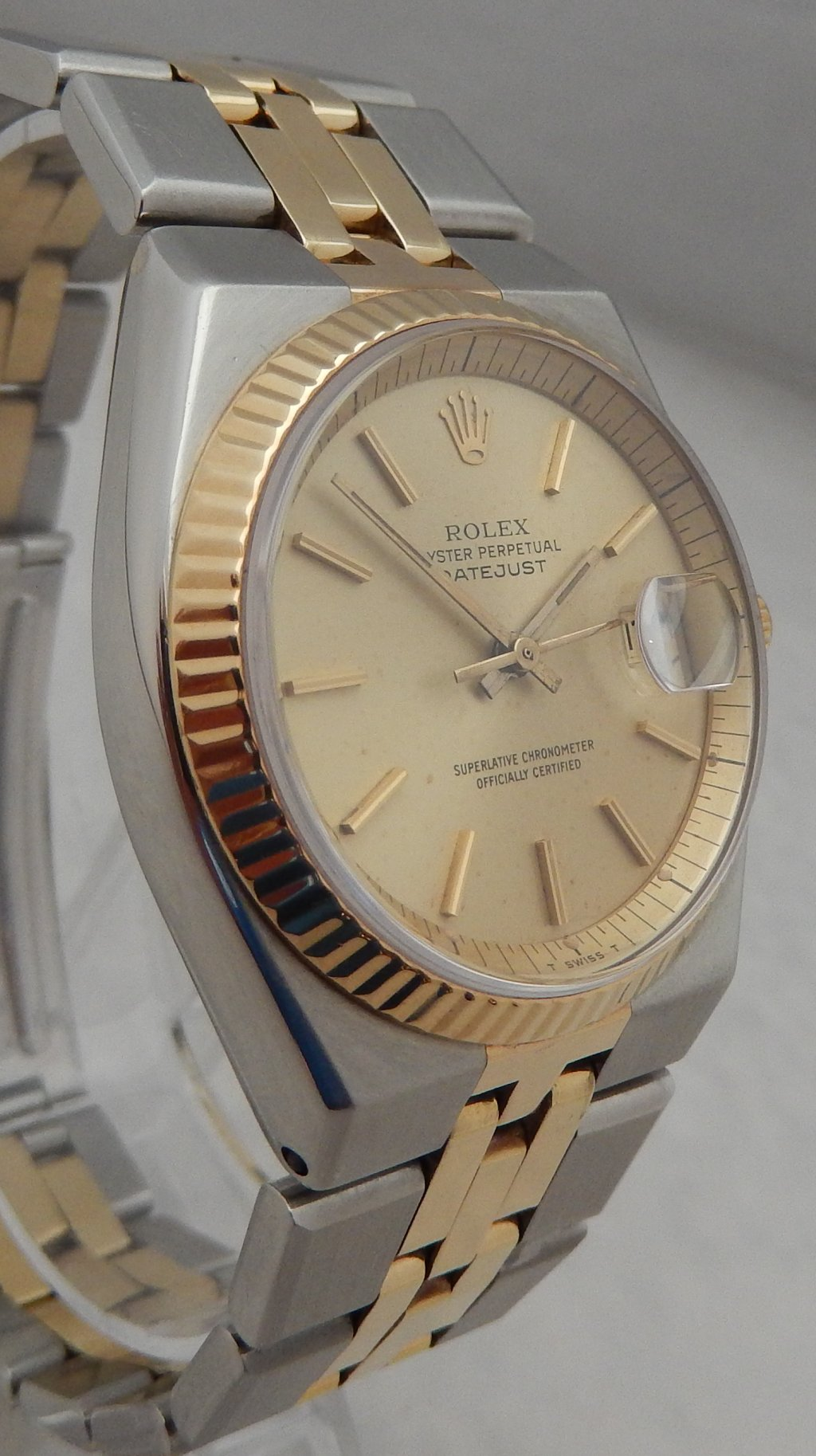 e8da4e5457b At the time of the listing the Perpetual winding Rolex signed cal 1570  movement with hack set sweeping seconds hand and date calendar was  inspected